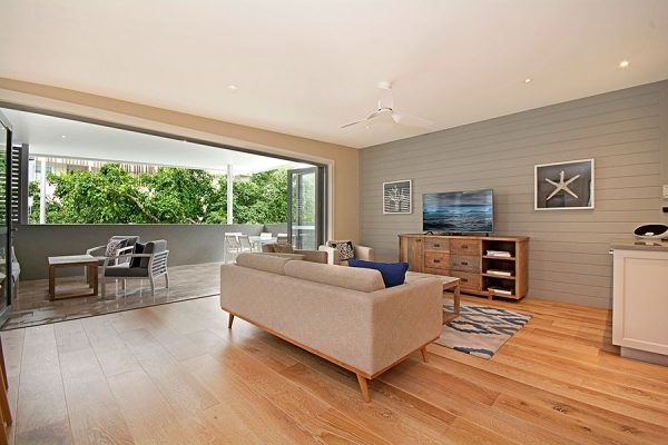 Hastings St Prestige Apartment Lounge Print Dsc6576