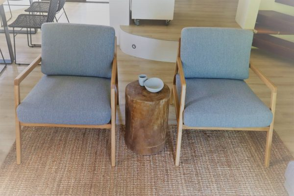 No 5 95 Noosa Parade Lounge Chairs