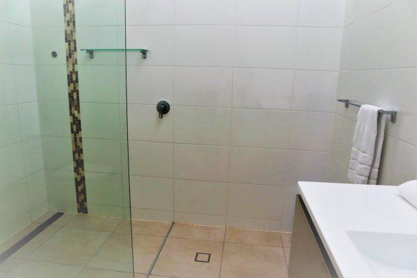 Noosa Terrace Nt3 Bathroom
