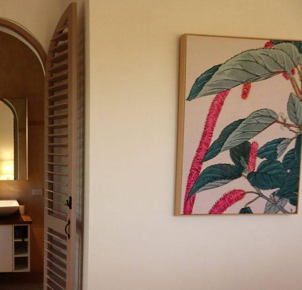 No 5 95 Master Bedroom Ensuite Entry & Artwork