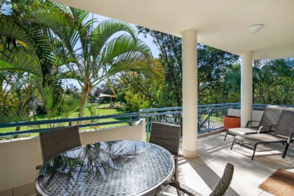 Noosa Riviera Apt 10 Balcony