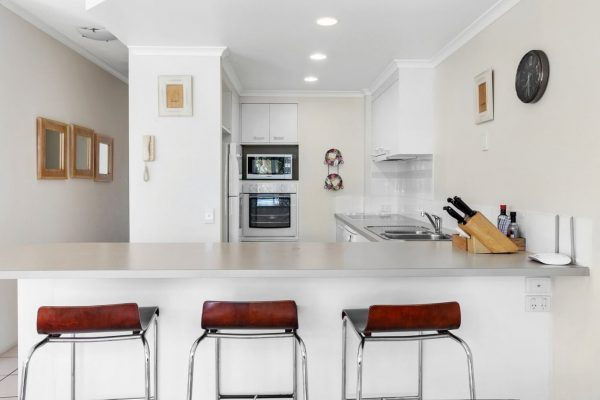 Noosa Riviera Apt 10 Kitchen