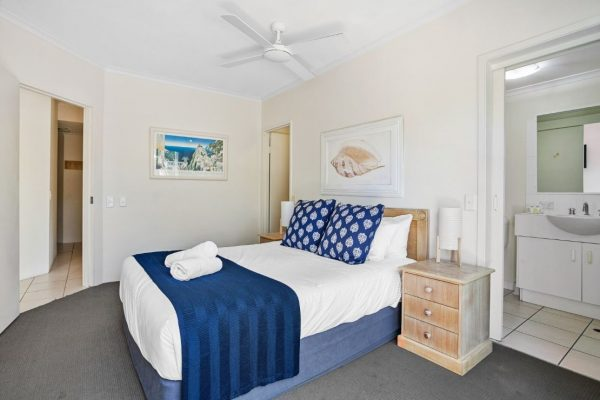 Noosa Riviera Apt 10 Main Bed