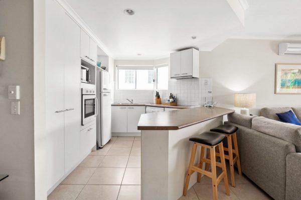 Noosa Riviera Apt 4 Kitchen