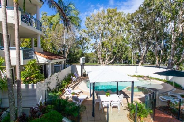 Noosa Riviera Pool View From Apartment 4
